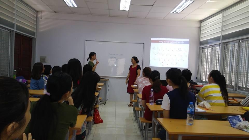 """TH """"Ký hiệu từ khóa"""" với ĐH Y Phạm Ngọc Thạch 26.03.18"""